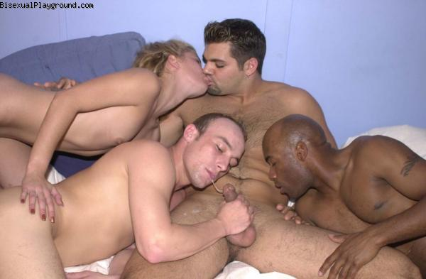 3 Mouths On 1 Body on Bisexual Playground